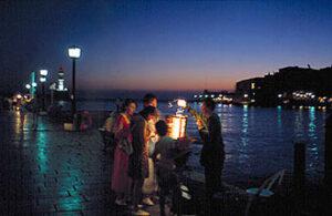 Chania (Hania) en Crète. Nuit dans le vieux port